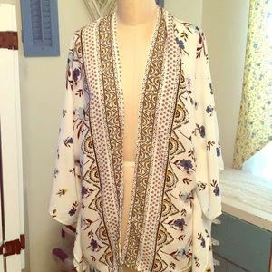 Tops - Beautiful silky kimono
